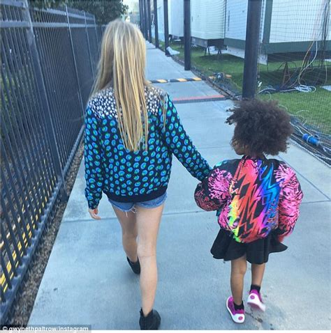apple martin eye problem apple holds hands with blue ivy in cute instagram snap
