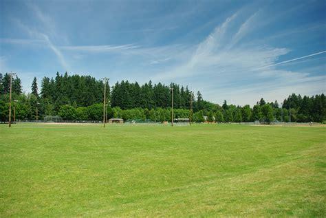 file wilsonville memorial park fields jpg wikimedia commons