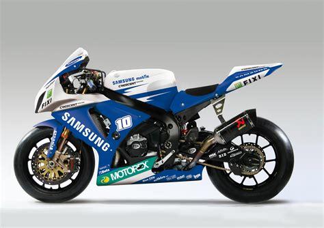 Superbike Suzuki Gsxr 1000 World Superbikes Suzuki Gsxr1100 Vs Aprilia Rsv4 Bike War