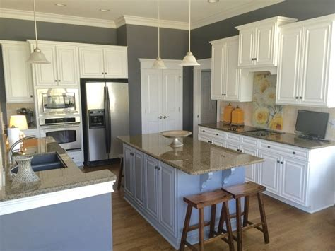 Sherwin Williams Extra White and Benjamin Moore Steel Wool