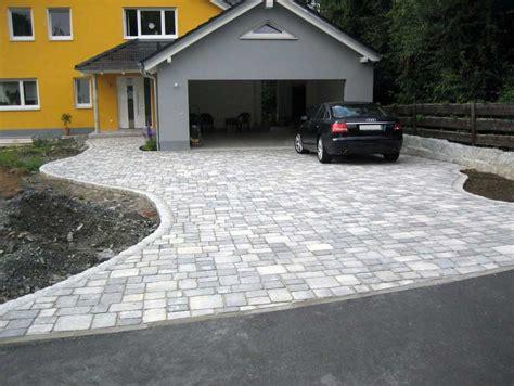 Einfahrt Pflastern Muster by Gartenwege Anlegen Kies Mit Gartenumrandung Stein