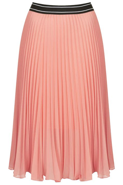 topshop womens pleated midi skirt in pink lyst