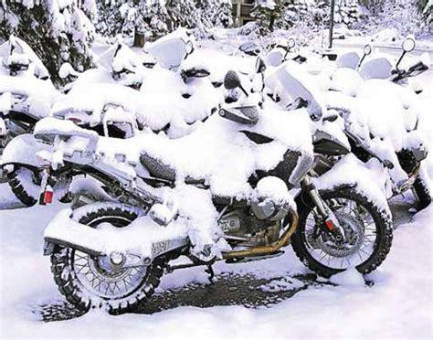 winter motorcycle beat the cold choose the best winter motorcycle helmet