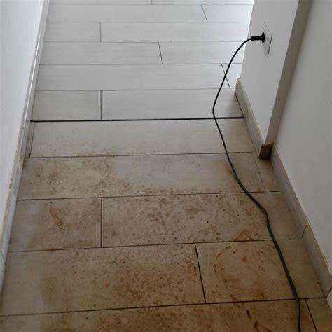 pulire pavimento gres pulire gres porcellanato effetto legno dopo posa