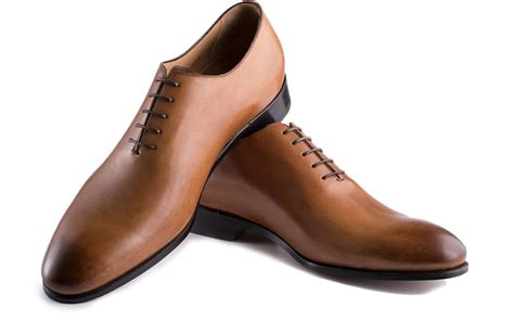 Brown Oxford Leather Shoes oxford shoes guide how to wear oxfords how to buy