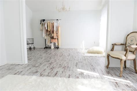 Laminate Floors Pros And Cons - karen roberts white washed oak laminate flooring is fade resistant