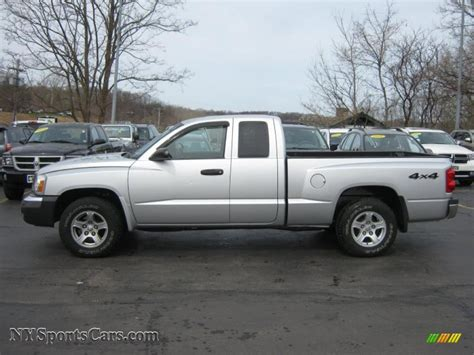 2005 dodge dakota cab 2005 dodge dakota slt club cab 4x4 in bright silver