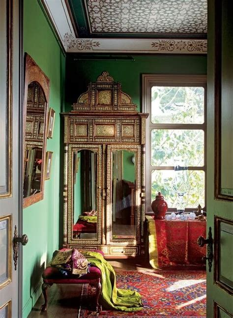 green decor 27 daring red and green interior d 233 cor ideas digsdigs