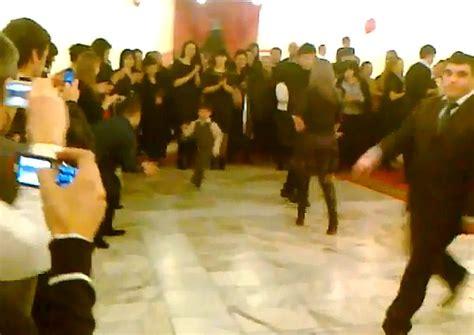 Sm Celana Dalam Wanita Putih Imut bocah imut ini hebohkan dengan tarian dansa