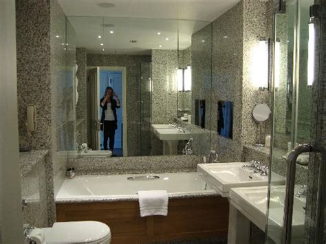 better bathrooms locations minibar picture of haymarket hotel london tripadvisor