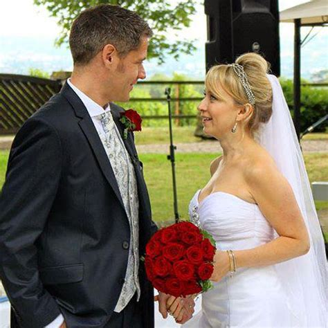 Wedding Hair And Veil Placement by Tips On Wedding Veil Positioning And Placement Uk