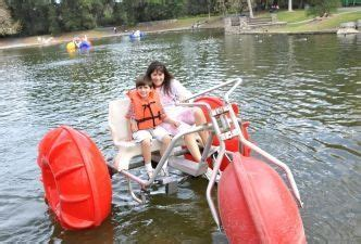 bicycle paddle boat best 25 paddle boat ideas on pinterest build your own