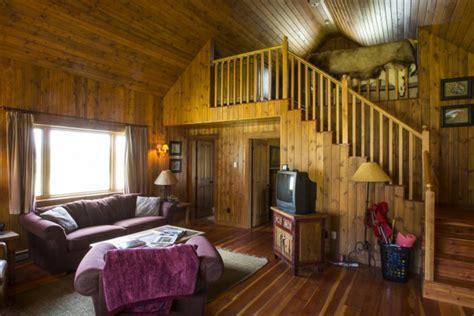 rising room book rising rainbow cabin yellowstone montana all cabins
