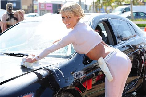 Frauen Waschen Auto by Models Jean Washing Car