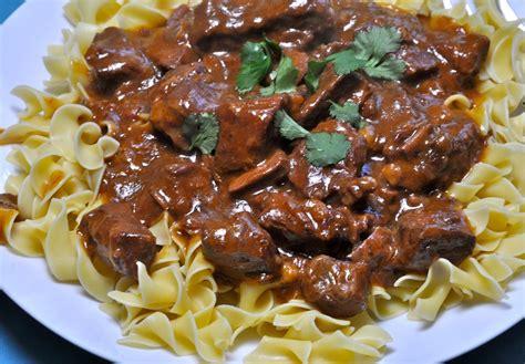 beef stroganoff crockpot recipe with golden mushroom soup