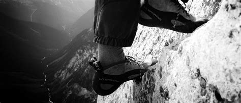 how tight should rock climbing shoes be how stiff and tight should your climbing shoes really be