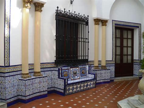 patios interiores andaluces estilo andaluz en tu patio consejos 250 tiles