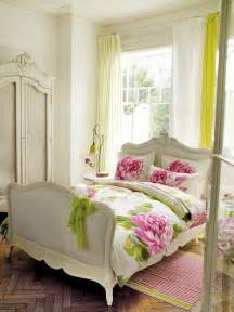 Shabby Chic Bedroom Decorating Ideas by 30 Shabby Chic Bedroom Decorating Ideas Decoholic