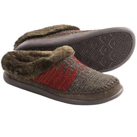 slipper shoes woolrich dove creek slipper shoes for