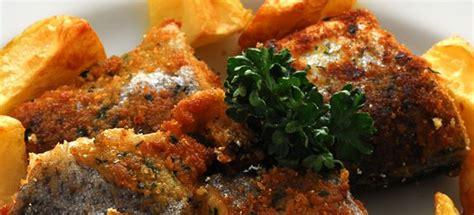 cucinare trote ricetta trota fritta con patate arrosto cucinarepesce