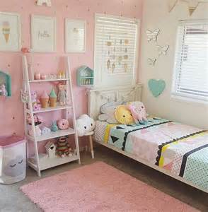 Toddler Bedroom Ideas by 17 Best Ideas About Toddler Rooms On Pinterest
