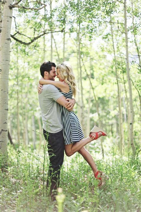 themes cute couple creative romantic and original engagement picture ideas