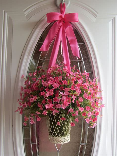 pretty dubs how to hang a door wreath without nails spring wreath front door wreaths summer wreath boxwood