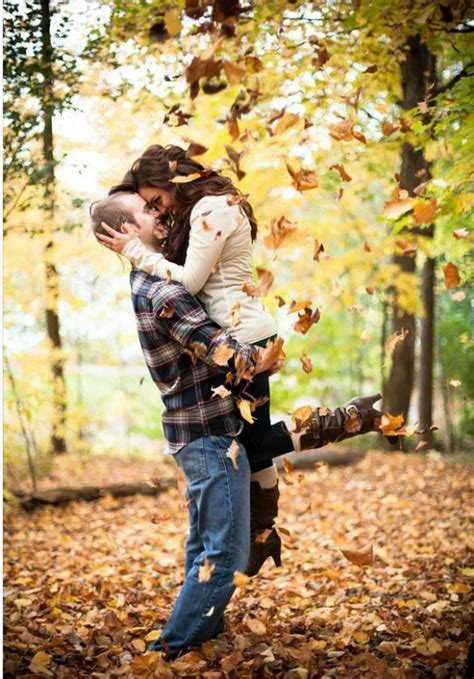 ideas for photos fall engagement photo ideas and outfits