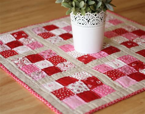 construct 2 runner tutorial scrappy 9 patch table runner scrappy nine patch mini quilt favequilts com