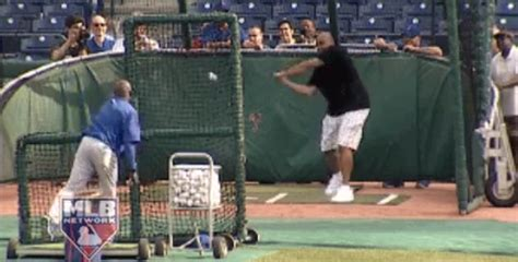 barkley swing charles barkley s baseball swing is as bad as his golf