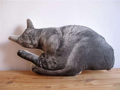 cuscini strani cuscini da arredo a forma di cani gatti mucche e cavalli