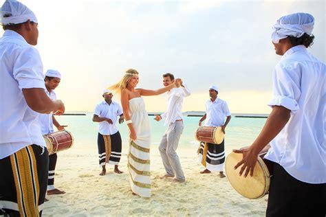 Weddings in Maldives   Renewal of Vows at Kurumba Maldives