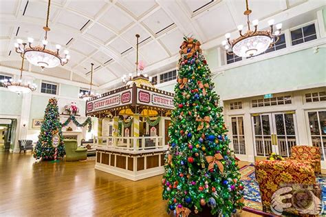when do disney world hotels decorate for christmas