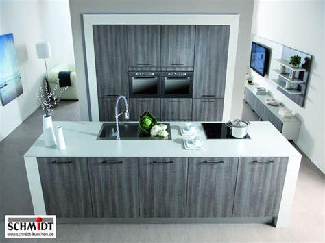 einbauküche mit kochinsel schlafzimmer gestalten landhausstil