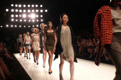 Fashion Show Wardrobe by The Importance Of Fashion Show Lighting Shock Awe