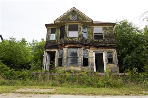 we buy old houses old ugly house www pixshark com images galleries with a bite