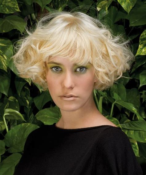 triangular bob 1000 images about embrace the curl on pinterest