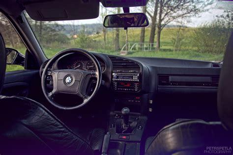 bmw 328i 2011 – Alpine White 2011 BMW 3 Series 328i Coupe Exterior Photo