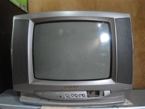Tv Tabung Sharp Pro jual beli tv tabung 14 inci merek sharp qbeat ii bekas
