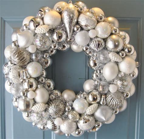 Delightful Christmas Weath #3: 00138b2ed33c865b17b634813e5cd684--christmas-wreaths-christmas-ornament.jpg