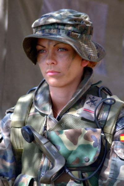 gorgeous army girls   strong  sexy  combat gear