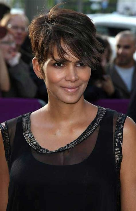 boomerang hairstyle 20 best halle berry pixie cuts short hairstyles 2017