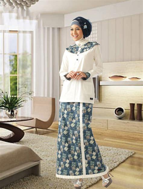model gamis batik kombinasi polos muslimah modern
