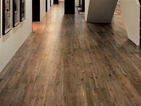 pavimento gres finto legno pavimenti gres porcellanato effetto legno piastrelle per