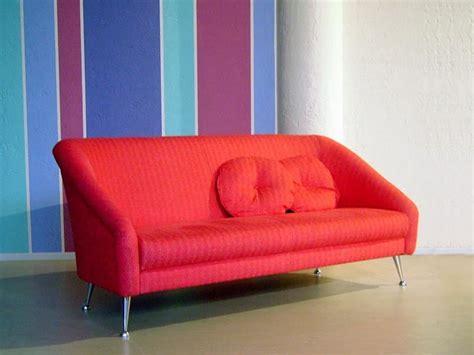divanetti moderni divanetto moderno e imbottito piedi cromati lucidi
