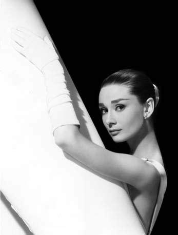 Voo noturno: Audrey Hepburn é a atriz mais bonita da