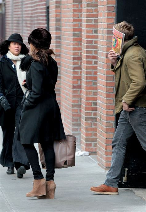 Style Mendes Fabsugar Want Need 3 by Gosling And Mendes Avoid Cameras 3 Zimbio