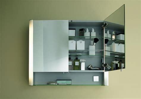badezimmer vanity light mit steckdose praktische spiegelschr 228 nke f 252 r mehr stauraum im bad