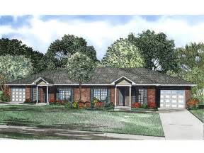 Duplex House Plans With Garage by Duplex House Plans One Story Duplex Plan 025m 0081 At