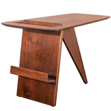 jens risom magazine table reproduction jens risom walnut t 539 magazine table at 1stdibs